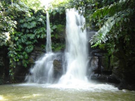 Imagenes de cascadas for Presupuesto para construir una piscina en colombia